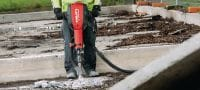 TE 3000-AVR Exceptionally powerful concrete demolition hammer featuring low vibration and a brushless motor Applications 2